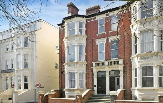 This ground floor flat was sold for £112,000 within 28 days.