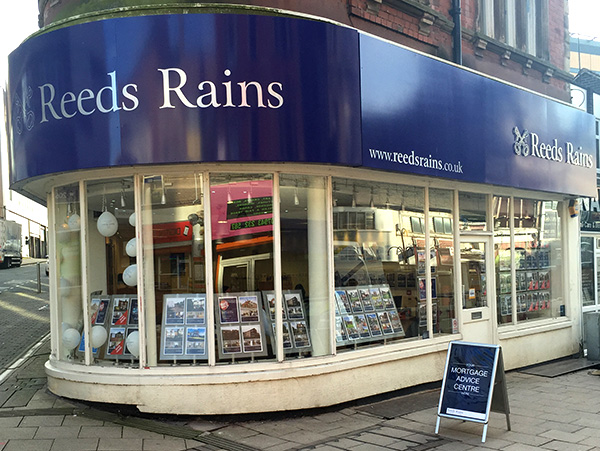 stoke estate agents reed rains struggle to compete with fast house sale companies